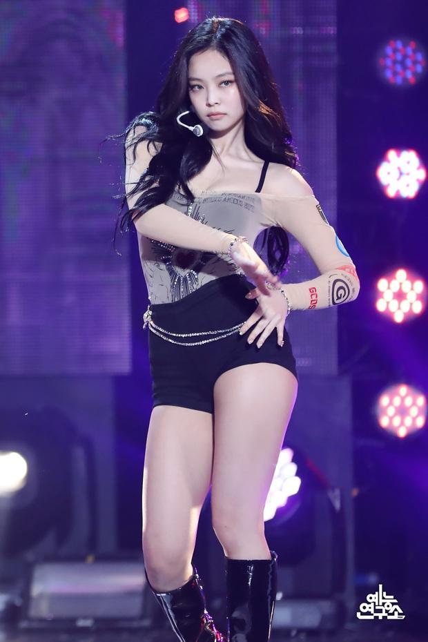 Nhan sắc dàn bạn gái quá hot của G-Dragon: Jennie át cả minh tinh Joo Yeon về độ sexy, 2 nàng thơ Nhật Bản khuynh đảo châu Á - Ảnh 42.