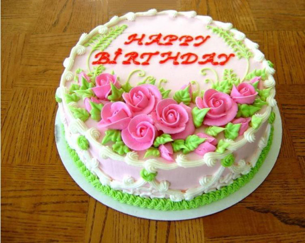 Anh chàng khoe chiếc bánh sinh nhật vu vơ mà hút hơn 22k like, đọc dòng chữ phía trên cái hiểu liền! - Ảnh 1.