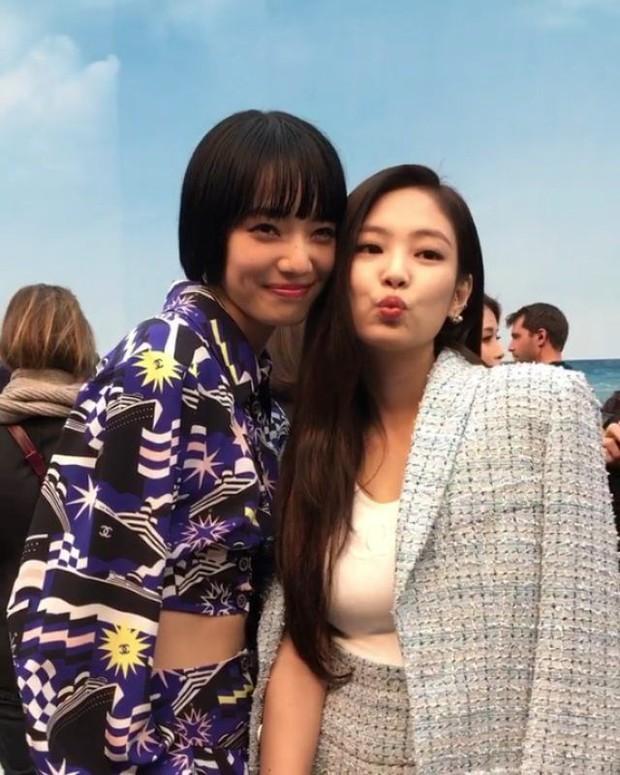 Nhan sắc dàn bạn gái quá hot của G-Dragon: Jennie át cả minh tinh Joo Yeon về độ sexy, 2 nàng thơ Nhật Bản khuynh đảo châu Á - Ảnh 46.