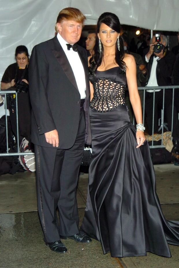 Góc khuất đại tiệc hào nhoáng nhất thế giới Met Gala: Cấm cửa vì thù riêng, chồng tiền để có vé và thủ đoạn kiếm trăm tỷ - Ảnh 9.