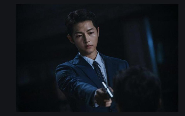 Vincenzo: Tưởng hành động giật gân ai ngờ hài muốn xỉu, Song Joong Ki mặt baby vẫn cân đẹp vai xã hội đen cực ngầu - Ảnh 12.
