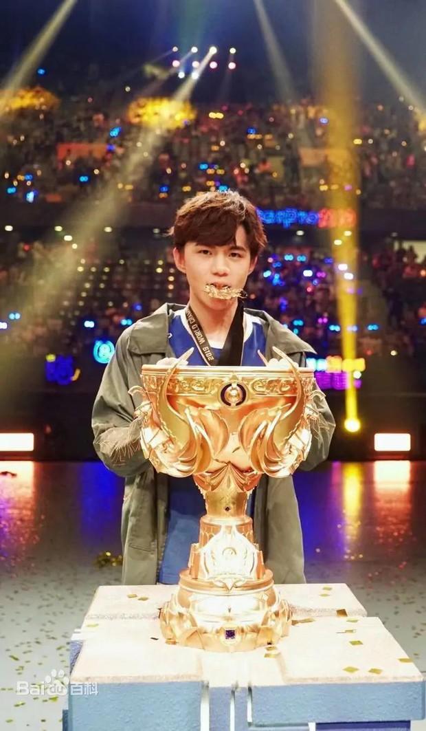 Cựu vô địch Vương Giả Vinh Diệu quyết định lấn sân làm idol C-pop, netizen háo hức chờ mong như hội! - Ảnh 1.