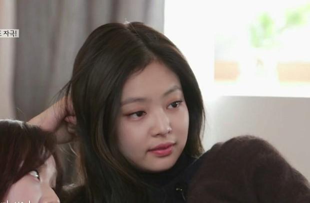 Đáp trả tin hẹn hò mặn như YG Entertainment: Lươn lẹo đủ kiểu, trả lời nước đôi hoặc bí quá thì nhờ thông gia xác nhận hộ - Ảnh 8.