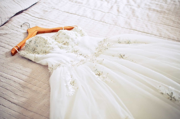 Từ chuyện Tóc Tiên gửi váy cưới sang Mỹ để giặt: Hóa ra có dịch vụ giặt dành riêng cho đồ hiệu xa xỉ, mức phí lên tới nửa tỷ - Ảnh 5.