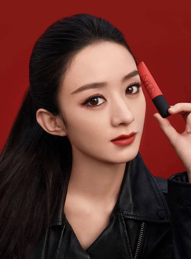 Netizen đấu khẩu khi Triệu Lệ Dĩnh làm đại sứ NARS Trung Quốc: Nhan sắc lên hương hay lại một màn makeup lỗi? - Ảnh 2.