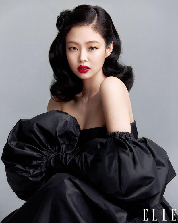 Jennie sát trai nhất thế hệ idol mới: 3 năm 3 chàng, list bạn trai gây choáng vì hết CEO đến ông hoàng Kpop quyền lực - Ảnh 2.