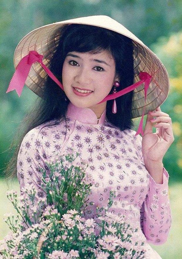 NSND Thu Hà (Hướng Dương Ngược Nắng): Từng là mỹ nhân màn ảnh đình đám cùng Diễm Hương, Việt Trinh, 52 tuổi vẫn trẻ trung bất ngờ - Ảnh 5.