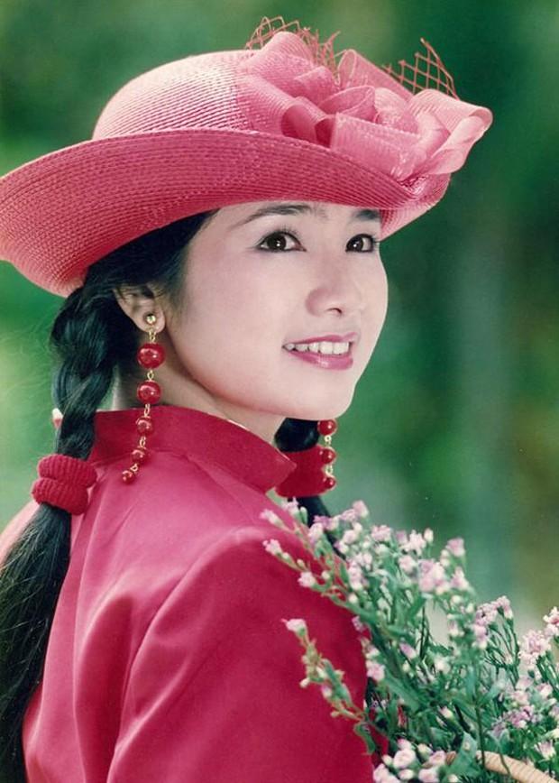 NSND Thu Hà (Hướng Dương Ngược Nắng): Từng là mỹ nhân màn ảnh đình đám cùng Diễm Hương, Việt Trinh, 52 tuổi vẫn trẻ trung bất ngờ - Ảnh 11.
