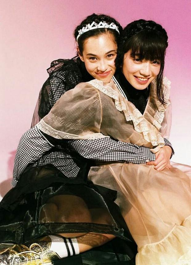 Nhan sắc dàn bạn gái quá hot của G-Dragon: Jennie át cả minh tinh Joo Yeon về độ sexy, 2 nàng thơ Nhật Bản khuynh đảo châu Á - Ảnh 51.