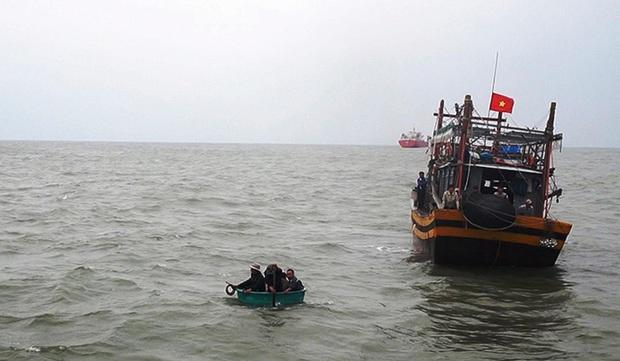 Tìm thấy thi thể ngư dân Quảng Nam mất tích trên biển - Ảnh 1.
