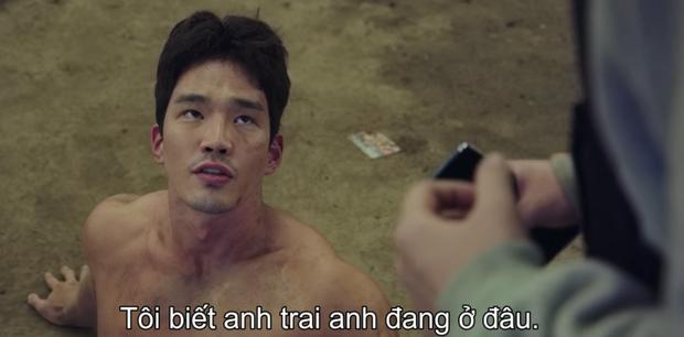 Park Shin Hye đang bỏ trốn với chồng hờ thì bị bắn bay xác, bỏ mạng luôn ở Sisyphus tập 4? - Ảnh 4.