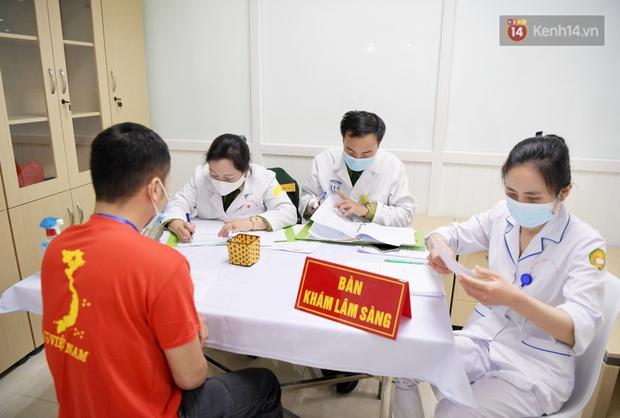 Ảnh: 35 người đầu tiên tiêm thử nghiệm lâm sàng vaccine phòng Covid-19 Việt Nam giai đoạn 2 tại Hà Nội - Ảnh 6.