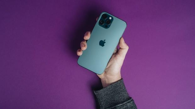 Tổng hợp tin đồn mới nhất về iPhone 13, nhiều trang bị cũ mà mới, tai thỏ sẽ nhỏ hơn? - Ảnh 1.