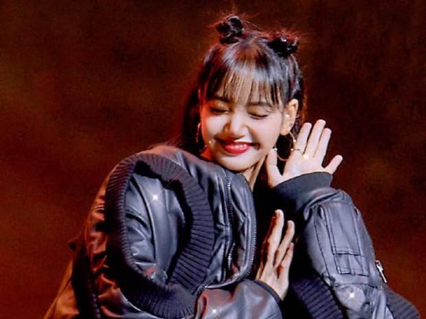 Cựu giám đốc sáng tạo YG Entertainment khen ngợi chưa đủ, còn Cảm ơn các bạn Thái Lan đã gửi Lisa đến Hàn Quốc - Ảnh 8.