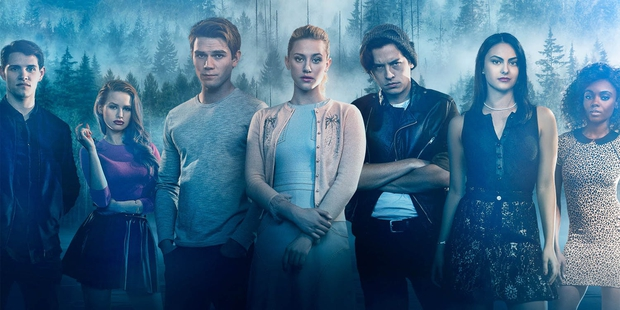 Loạt tình tiết ảo lòi ở Riverdale tập mới để bạn đỡ phải xem: Sợ nhất cảnh nóng chọc tay vào... rốn, cuối phim có án mạng siêu rùng rợn! - Ảnh 1.
