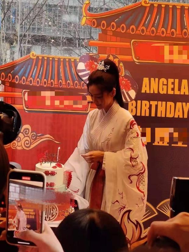 Angela Baby tổ chức sinh nhật mừng tuổi 32 ở nơi không ai ngờ, Huỳnh Hiểu Minh đang ra sao? - Ảnh 6.