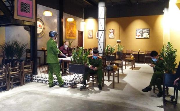 Hà Nội: Chủ quán cà phê bán chui mùa dịch Covid-19 bị xử phạt 30 triệu đồng - Ảnh 1.