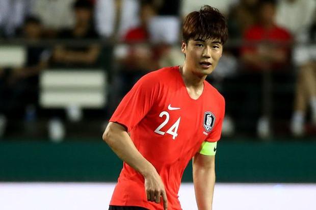 Nóng: Luật sư của nạn nhân tung bằng chứng cho cơ quan báo chí sau khi sao bóng đá Hàn Quốc chối bỏ cáo buộc ép đàn em quan hệ đồng tính - Ảnh 1.