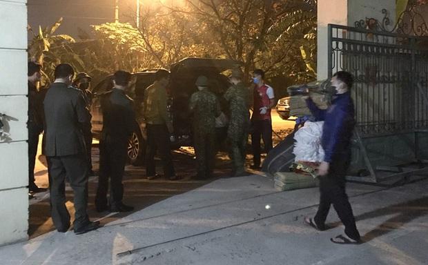 Nghệ An: Chặn bắt chiếc xe giường nằm chở 7 người Trung Quốc nhập cảnh trái phép - Ảnh 3.