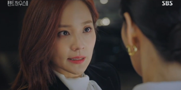 Đang ngấu nghiến hôn chồng cũ, ác nữ Seo Jin bị chồng mới bắt sống tại trận ở Penthouse 2 tập 3 - Ảnh 4.