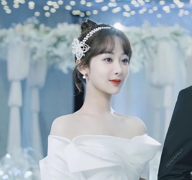 Bị deadline dí, Dương Tử làm luận văn giữa đêm tân hôn khiến netizen cảm thán: Chắc lo trả nợ thay ông xã Lý Hiện - Ảnh 1.