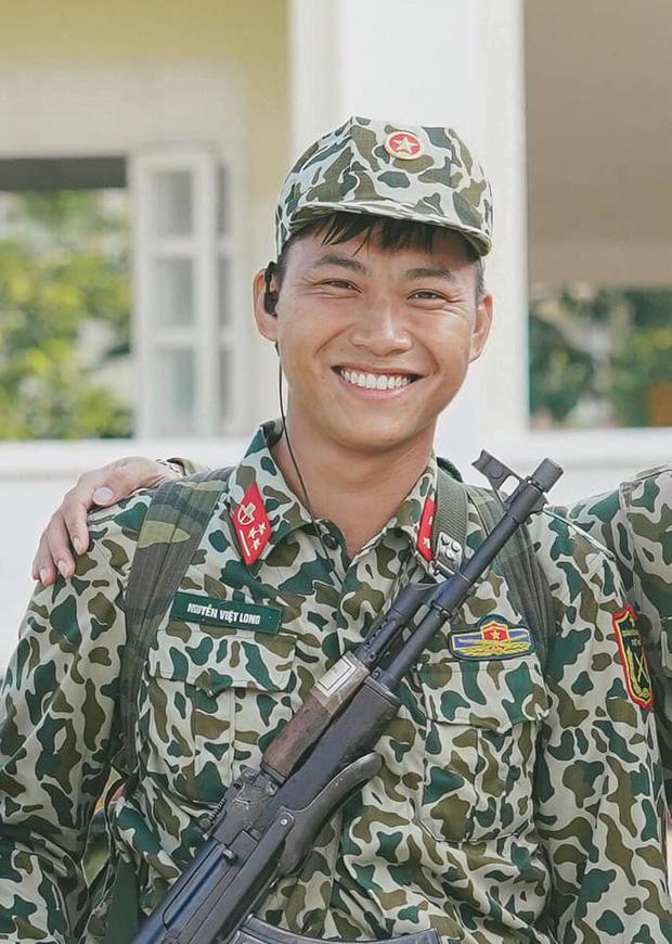 Mũi trưởng Long đăng ảnh sinh nhật 27 tuổi, Hậu Hoàng xuất hiện trong phút mốt: Chúc đồng chí sẽ có được tôi - Ảnh 1.
