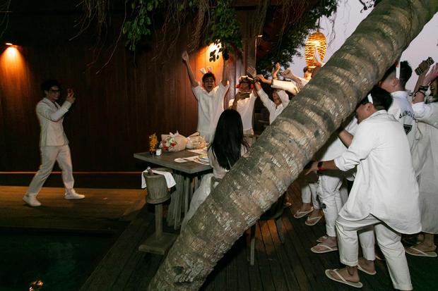 Ngô Thanh Vân công khai kề cận Huy Trần, ra mắt Xuân Lan - Jun Phạm và hội bạn sao Vbiz trong tiệc sinh nhật hoành tráng - Ảnh 3.