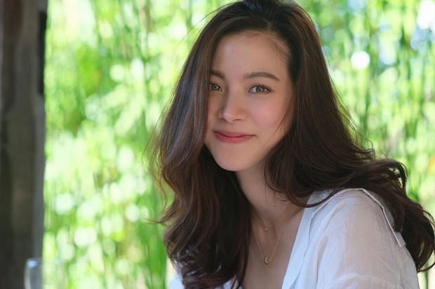 """Vẫn biết nữ thần Baifern (Chiếc Lá Bay) đẹp, nhưng ai ngờ diễm lệ đến mức khiến netizen Việt """"nghẹt thở"""" như bộ ảnh này - Ảnh 8."""