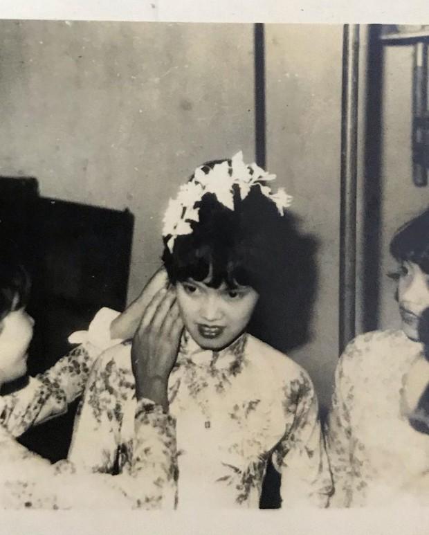 Khoe nhan sắc của ông bà ngoại gần 50 năm trước, gái xinh khiến dân mạng vỡ lẽ khi lọt top 10 Hoa hậu Việt Nam - Ảnh 2.