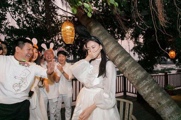 Soi story của Ngô Thanh Vân: Ngoài tình trẻ Huy Trần còn mời sao nào đến tiệc sinh nhật mình? - Ảnh 9.