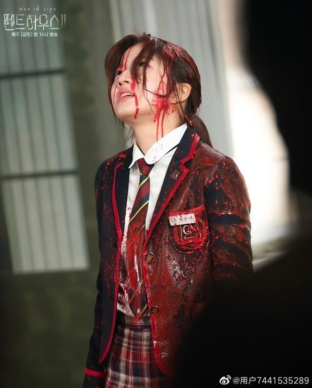Penthouse 2 tập 4 bùng nổ drama và những cú lừa: Hội rich kid thua đau trước Ro Na, Yoon Hee thiết lập liên minh báo thù mới? - Ảnh 5.