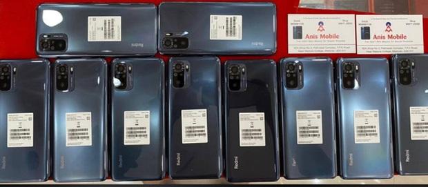Đây là Redmi Note 10: Thiết kế giống Mi 10T, màn hình AMOLED, Snapdragon 768, ra mắt ngày 4/3 - Ảnh 1.