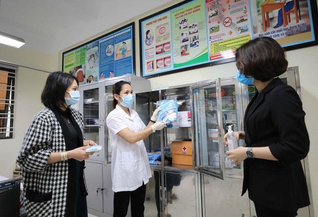 Trường học ở Hà Nội chuẩn bị đón học sinh trở lại trong trạng thái bình thường mới - Ảnh 11.
