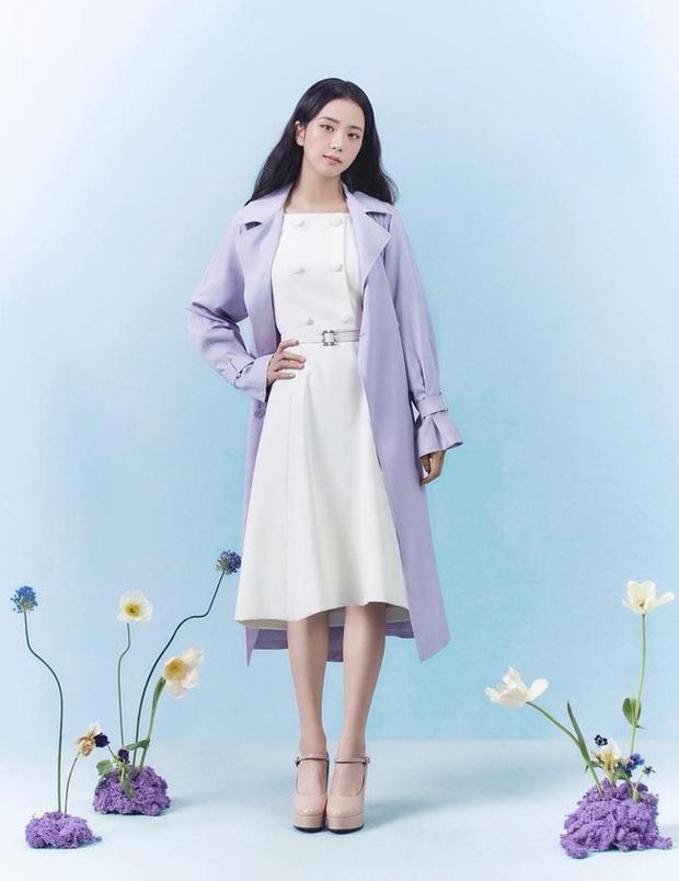 Jisoo lại đổi style diện váy, chuyển hẳn sang hệ tiểu thư nhà giàu chứ không còn xì tin như trước kia nữa - Ảnh 8.