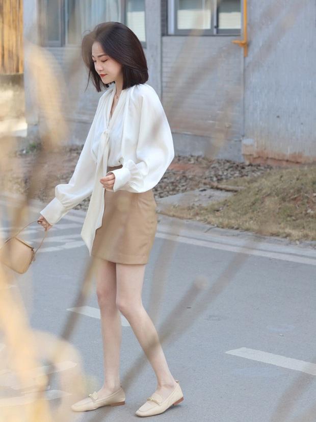 Street style Châu Á: Nhiều màu sắc xuống phố nhưng bất ngờ nhất là màn khoe eo mỏng dính của cô nàng váy cam - Ảnh 9.