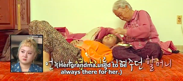 Dàn sao Hàn bật khóc khi thấy cảnh Hwasa (MAMAMOO) về thăm nhà người bà quá cố - Ảnh 6.