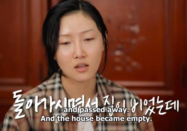 Dàn sao Hàn bật khóc khi thấy cảnh Hwasa (MAMAMOO) về thăm nhà người bà quá cố - Ảnh 3.