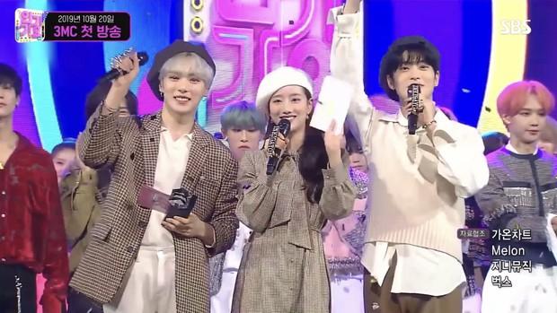 Bộ 3 MC rời Inkigayo lên top 1 trending toàn cầu: Ai cũng rưng rưng xúc động, diện outfit như ngày đầu tiên làm fan không nỡ chia tay - Ảnh 3.