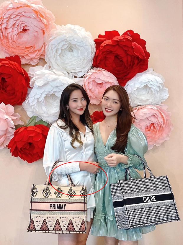Bà xã Phan Thành để lộ vòng 2 lùm lùm, tiết lộ tăng 3kg trong 1 tháng từ siêu đám cưới - Ảnh 2.