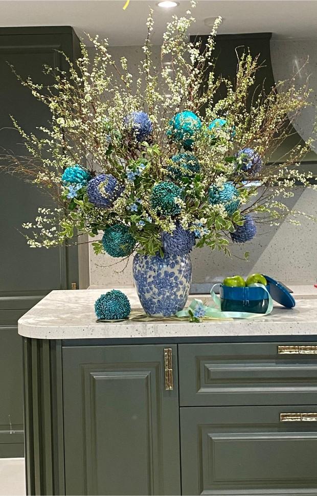 Nữ CEO cao tay phối hoa với tranh khiến không gian vừa sang trọng vừa tinh tế 10 điểm - Ảnh 14.