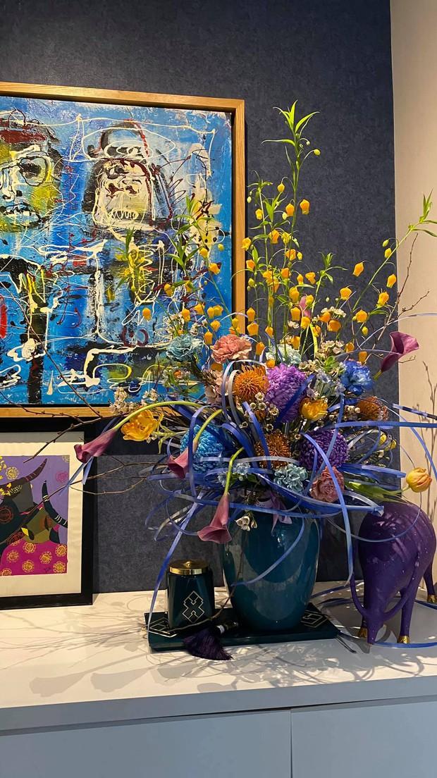 Nữ CEO cao tay phối hoa với tranh khiến không gian vừa sang trọng vừa tinh tế 10 điểm - Ảnh 4.