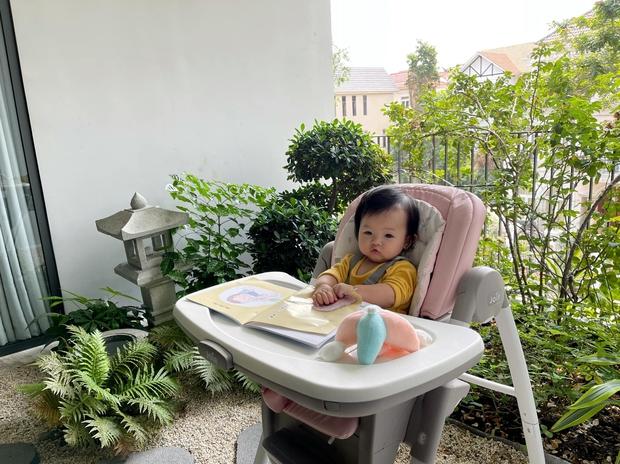 """Đàm Thu Trang khoe biểu cảm """"cưng xỉu"""" của ái nữ, Cường Đô La chốt hạ 2 chữ là biết vị trí của mẹ bỉm trong nhà! - Ảnh 3."""