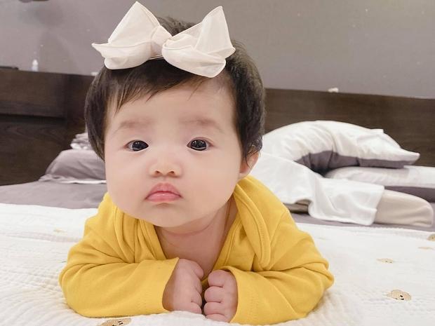 Đông Nhi lần đầu công bố loạt ảnh siêu cưng của con gái lúc 1 tuần tuổi, bé Winnie có cả tài khoản MXH riêng gây sốt - Ảnh 5.