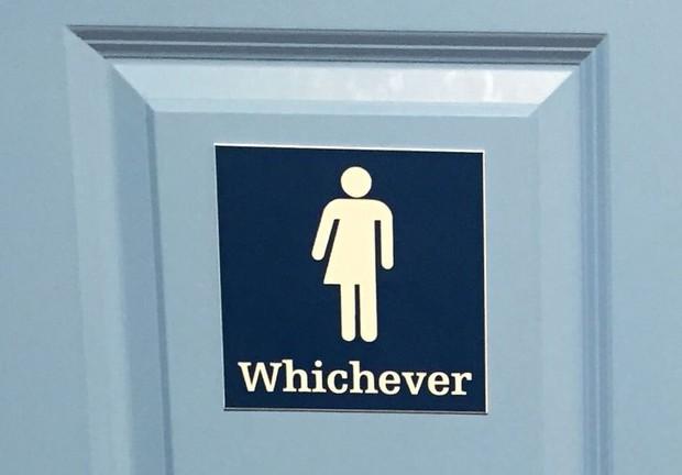 """Những biển toilet siêu buồn cười """"thấy một lần là nhớ cả đời"""", đúng là óc sáng tạo và hài hước của con người là bất tận! - Ảnh 1."""