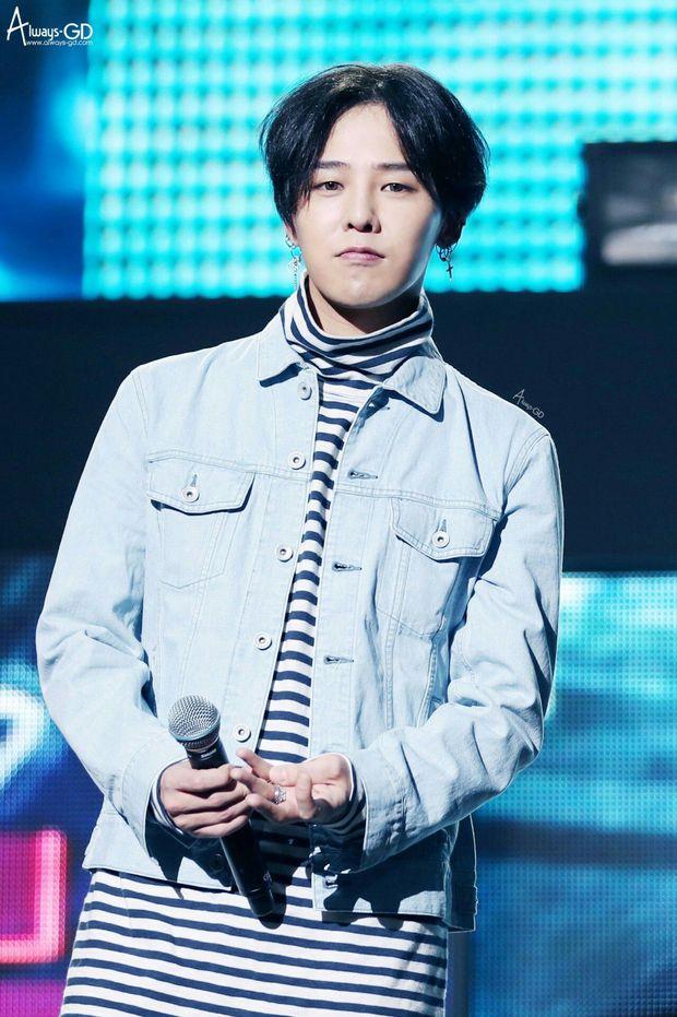 Đến lượt G-Dragon bị fan Jennie ném đá sau tin hẹn hò, Knet không hùa theo lại còn bênh: GD mà cần ké fame người khác à? - Ảnh 3.