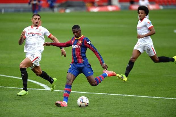 Messi tỏa sáng rực rỡ, Barcelona tạm chiếm giữ vị trí của đại kình địch Real - Ảnh 2.