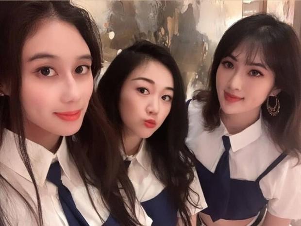 Hội bạn thân siêu giàu và xinh đẹp của con gái ông trùm Huawei - Ảnh 2.