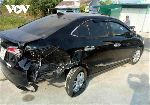 Thanh niên lái xe tông vào đuôi ô tô tử vong  - Ảnh 1.