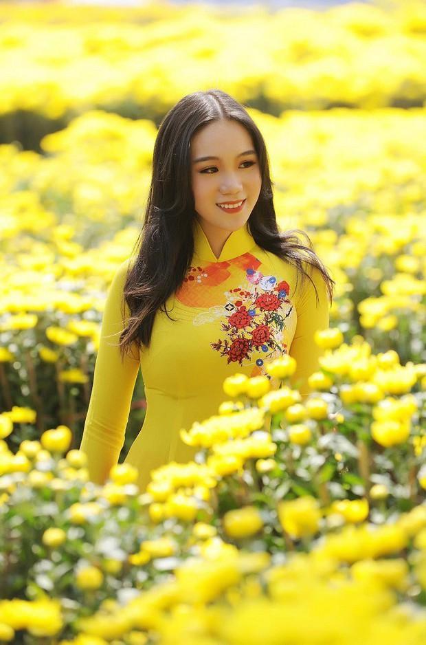 Con gái của Á hậu Trịnh Kim Chi: Hồi nhỏ mũm mĩm, lớn lên lột xác thành hot girl xinh đẹp nhưng nể nhất là thành tích học tập - Ảnh 6.