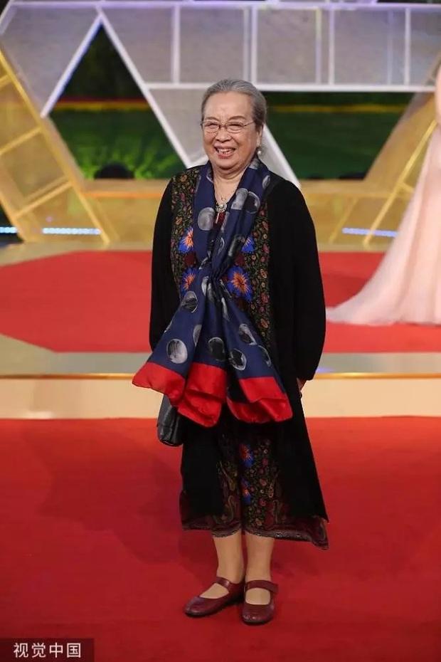 Báo Trung tung ảnh Dung Ma Ma hồi 26 tuổi, nhan sắc xinh đẹp được so sánh tựa Song Hye Kyo - Ảnh 6.